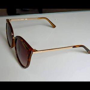 Guess sun glasses
